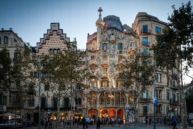 3 Essential Barcelona Travel Tips