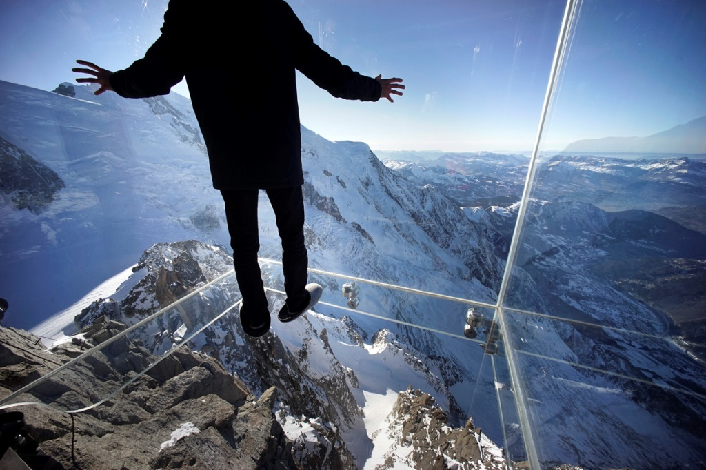 Terrifying Skywalks around the World